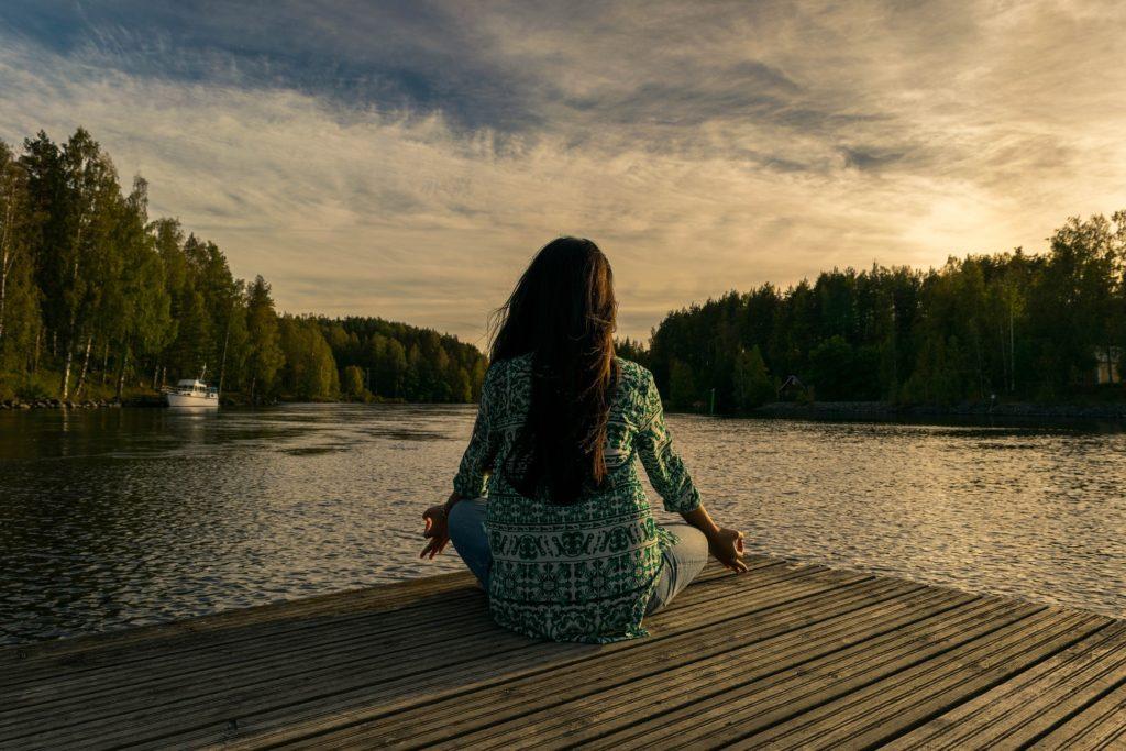 как сидеть во время медитации