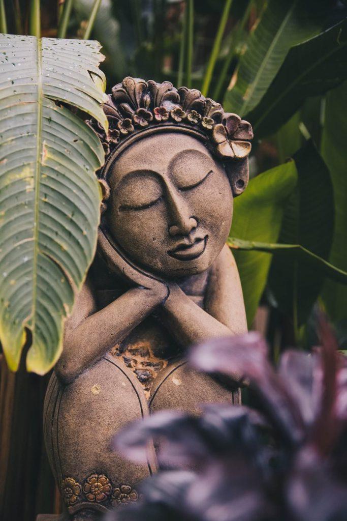 Как начать саморазвитие? Культивируй добродетели. Статуэтка спокойствия
